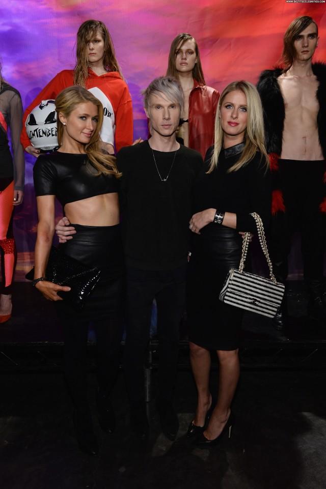 Paris Hilton Fashion Show Sensual Stunning Celebrity Nice Fashion