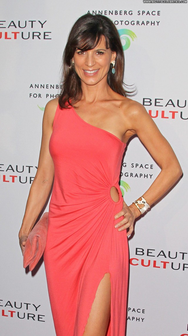 Perrey Reeves Shopping Sultry Beautiful Sensual Posing Hot Sexy Nice