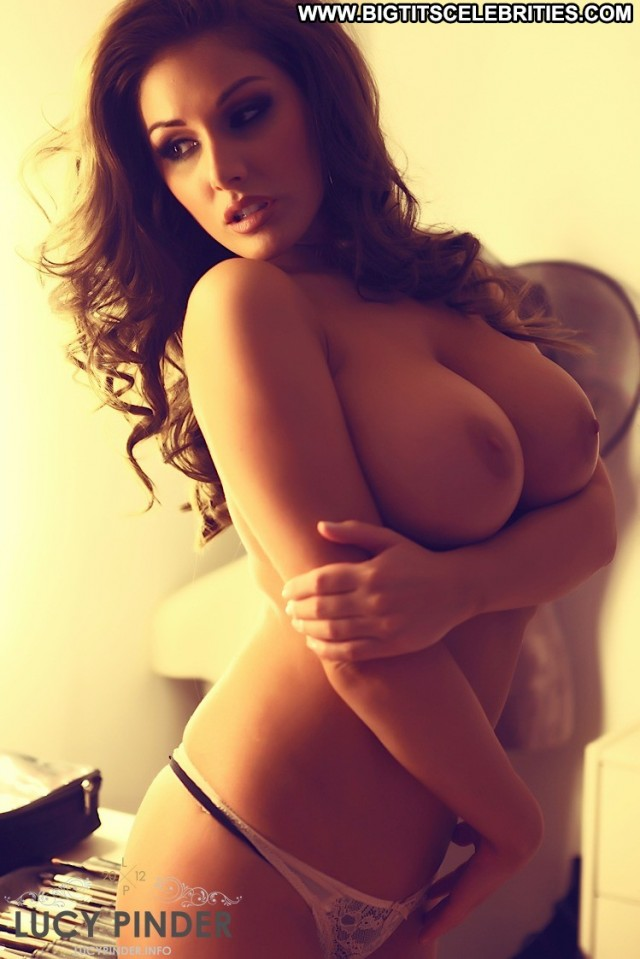 Lucy Pinder The Gift Sensual Stunning Cute Celebrity Posing Hot
