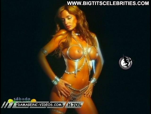 Daniela Cardone Sabado Bus Latina Brunette Posing Hot Stunning