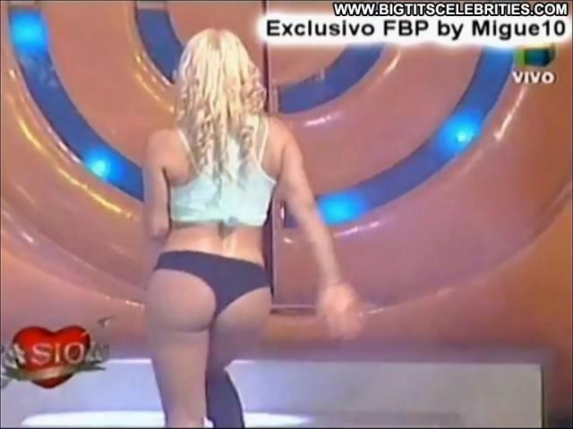 Florencia Maggi Pasion De Sabado Blonde Doll Celebrity Brunette