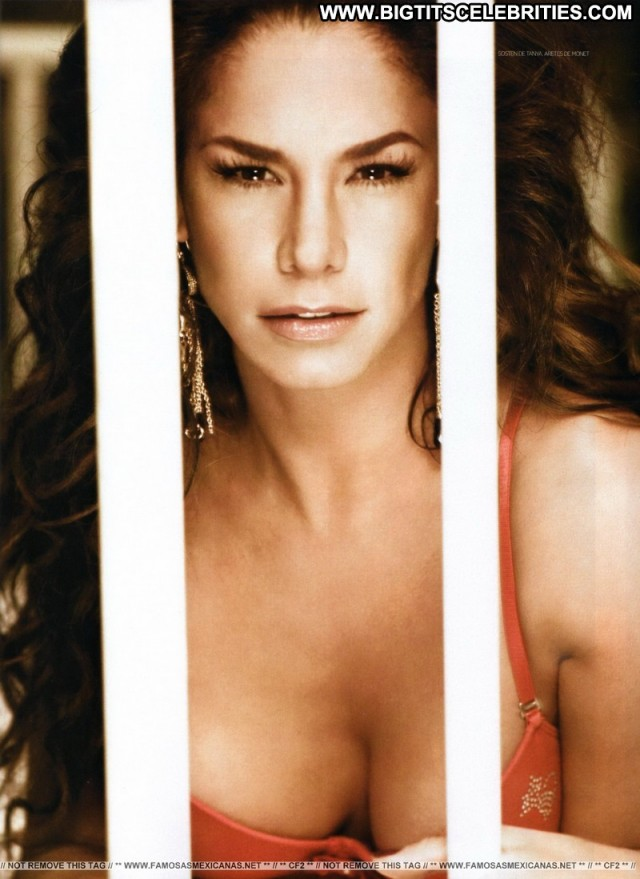 Liz Vega H Para Hombres Big Tits International Nice Celebrity