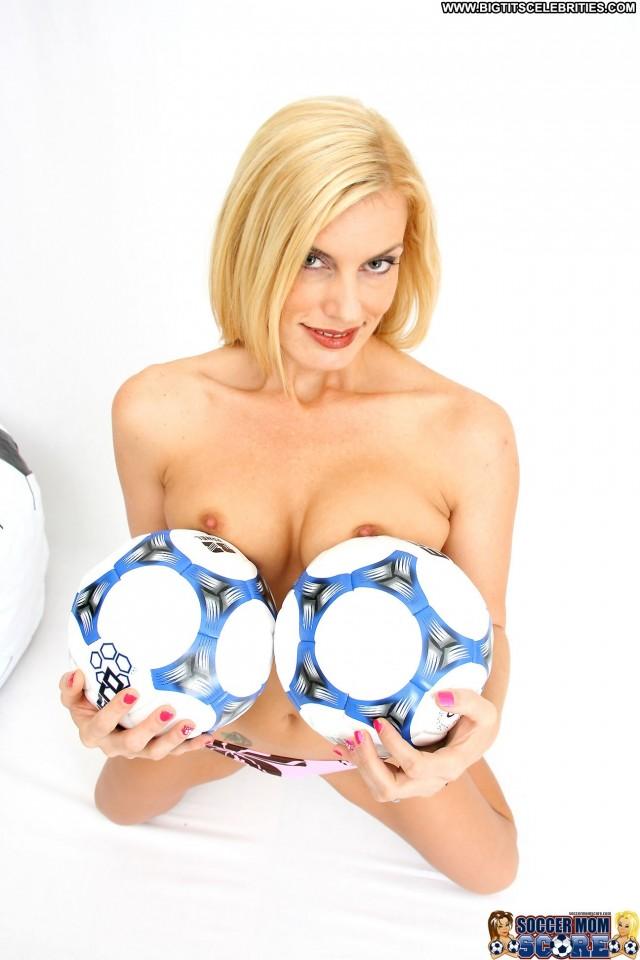 Darryl Hanah Soccer Mom Score Blonde Pornstar Video Vixen Doll Cute