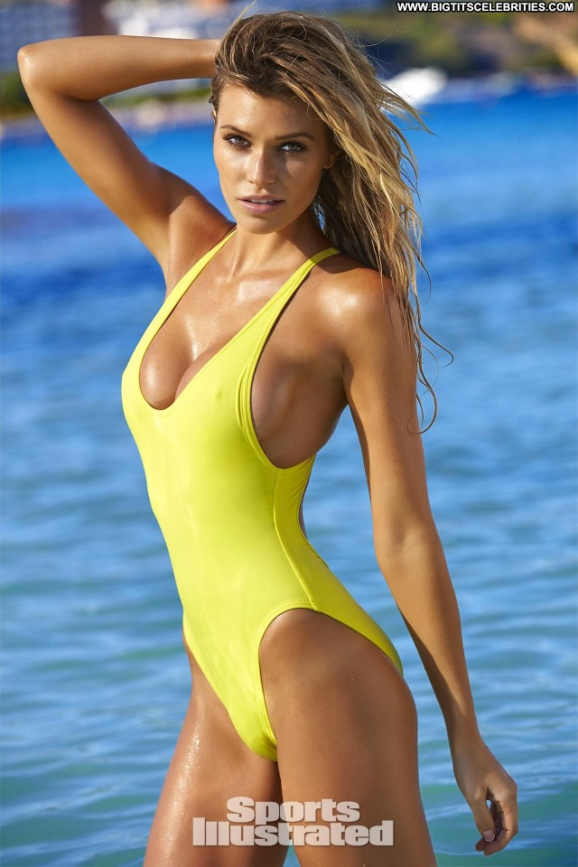 Samantha Hoopes Sports Illustrated Swimsuit Issue Celebrity Nice