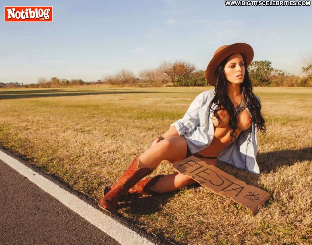 Paula Castillo Notiblog Latina Brunette Gorgeous Beautiful Big Tits