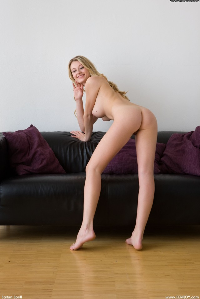 Carisha Maja I Like Being Me Nice Big Tits Blonde Stunning Sexy