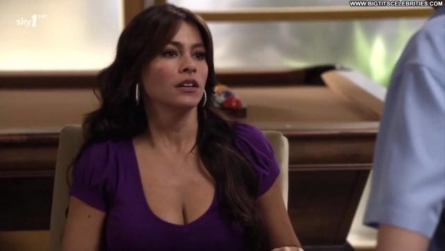 Sof Verat Modern Family Latina Big Tits Sensual International
