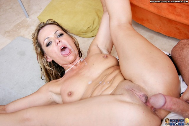 Kelly Leigh Soccer Mom Score Gorgeous Sexy Hot Pornstar Medium Tits