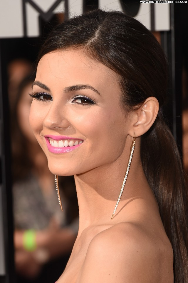Victoria Justice Mtv Movie Awards Gorgeous Celebrity Los Angeles