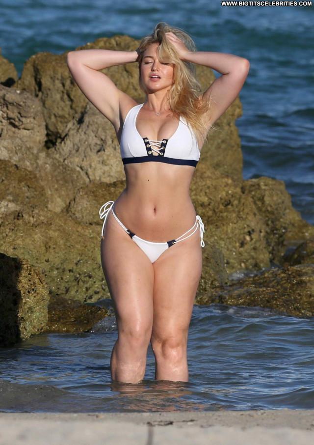 Iskra Lawrence No Source Bikini Posing Hot Candids Photoshoot