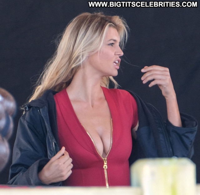 Kelly Rohrbach No Source  Beautiful Celebrity Babe Posing Hot