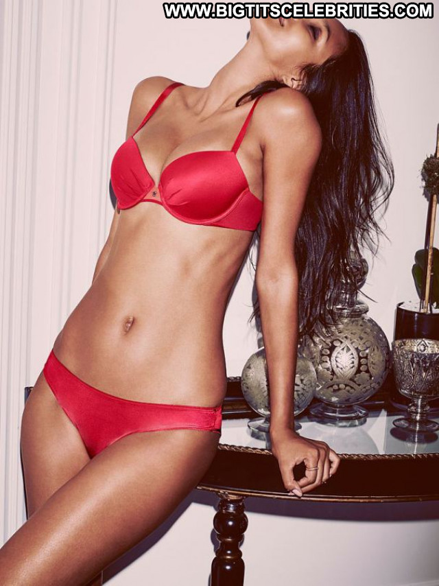Lais Ribeiro No Source Lingerie Babe Posing Hot Hot Celebrity