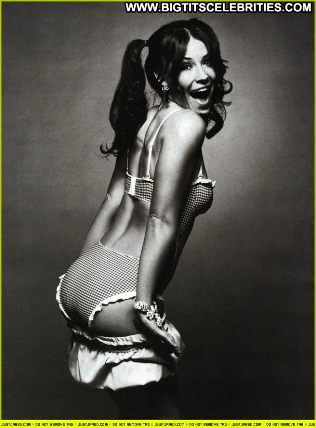 Evangeline Lilly No Source Babe Celebrity Beautiful British Posing Hot