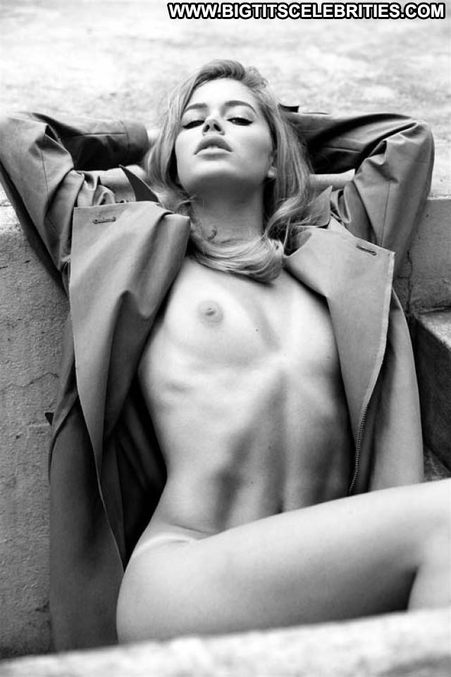 Doutzen Kroes No Source  Beautiful Babe Model Posing Hot Celebrity