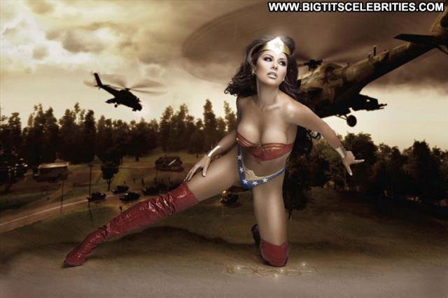 Gaby Ramirez Wonder Woman Babe Posing Hot Beautiful Body Paint