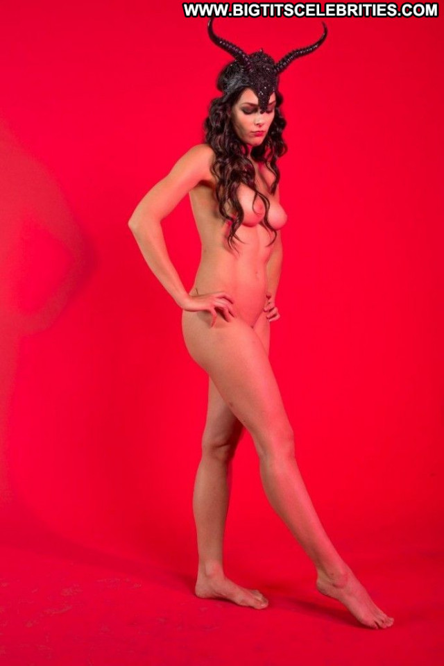Adrianne Curry Beautiful Leaked Babe Nude Celebrity Posing Hot Hd