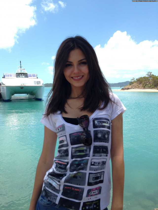 Victoria Justice Celebrity Babe Posing Hot Private Beautiful