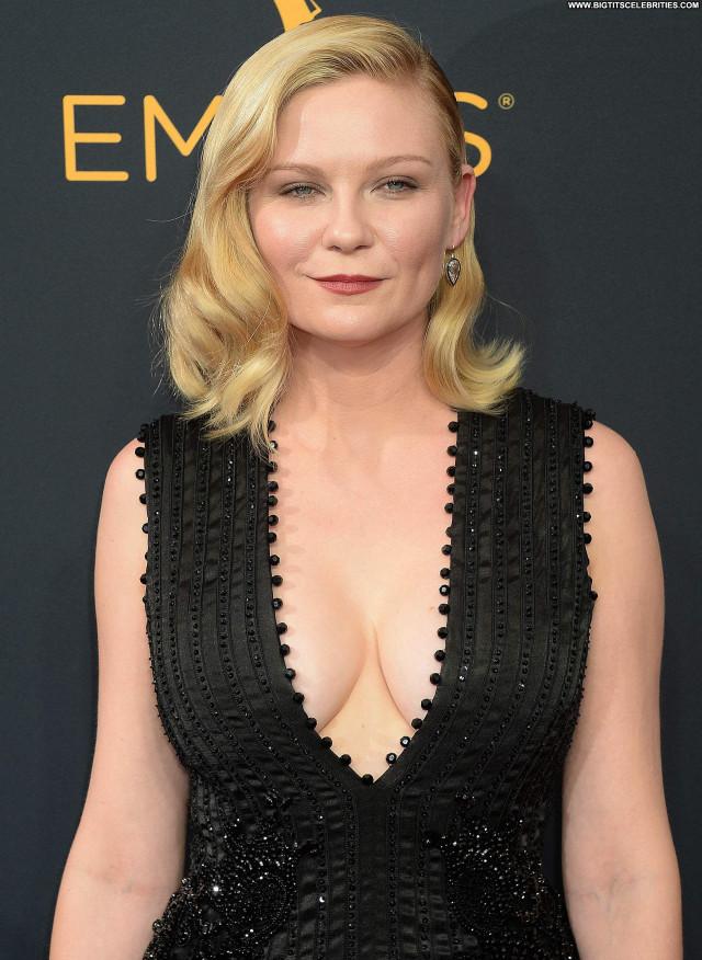 Kirsten Dunst Primetime Emmy Awards Cleavage Beautiful Awards