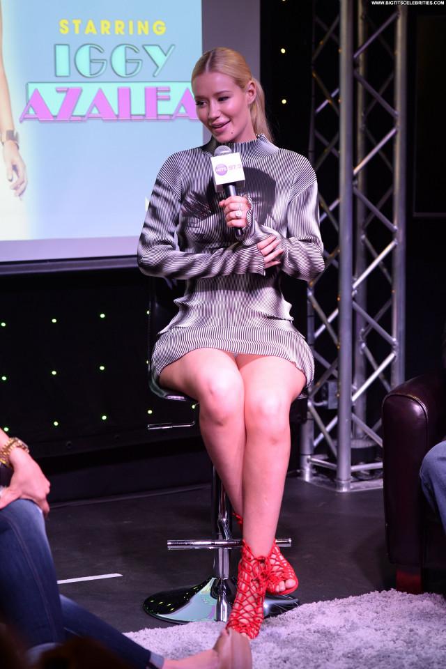 Iggy Azalea Babe Australian Celebrity Posing Hot Upskirt Sexy