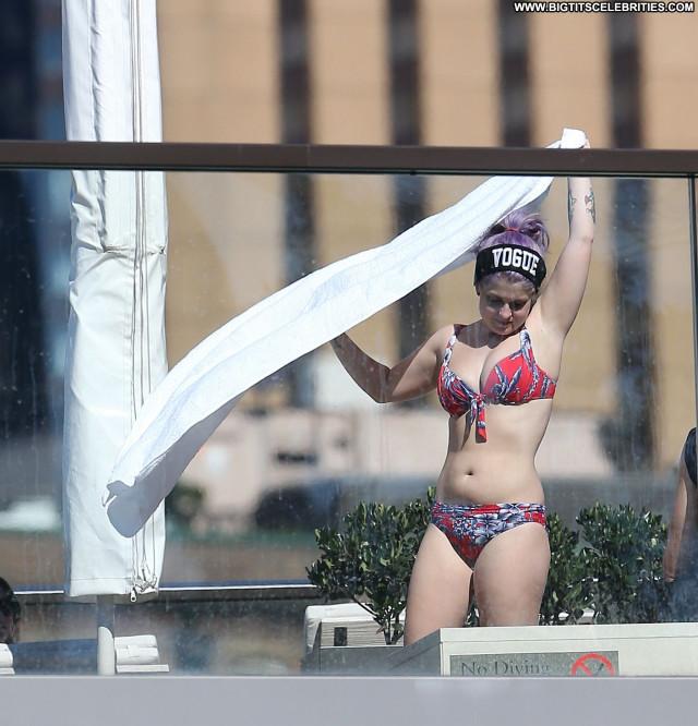 Kelly Osbourne No Source Babe Posing Hot Celebrity Beautiful Bikini