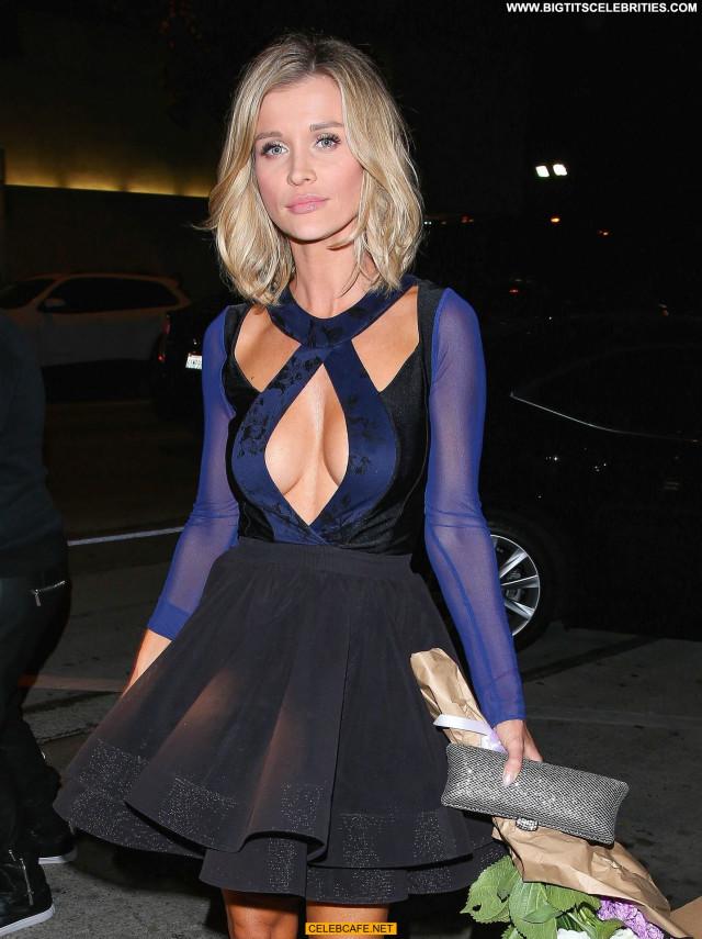 Joanna Krupa West Hollywood Cleavage Restaurant Beautiful Posing Hot