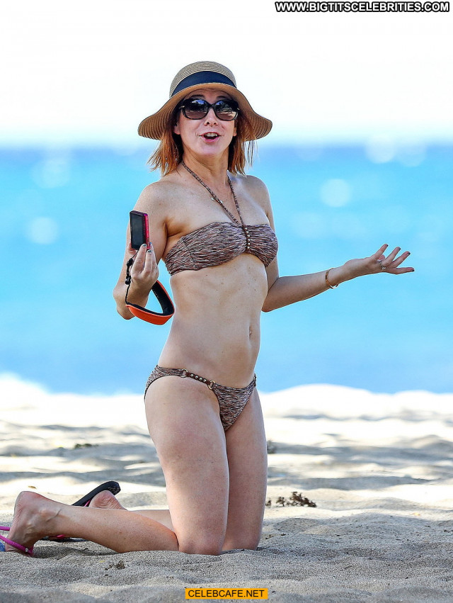 Alyson Hannigan No Source Beach Bikini Hawaii Celebrity Babe