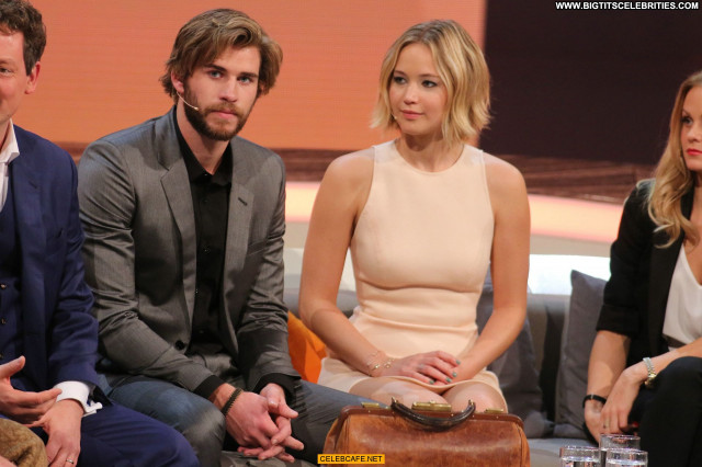 Jennifer Lawrence No Source Posing Hot Celebrity Upskirt Beautiful