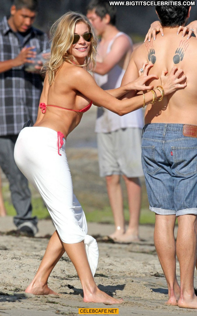 Leann Rimes No Source Side Of Boob Babe Posing Hot Malibu Celebrity