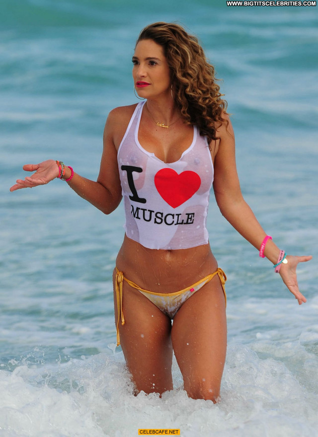 Jennifer Nicole Lee No Source Wet Posing Hot Beautiful Celebrity See