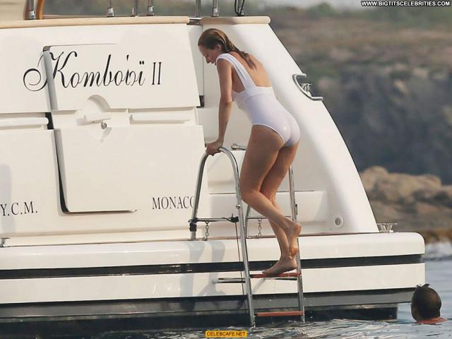 Uma Thurman No Source Saint Tropez Yacht Beautiful Babe Posing Hot