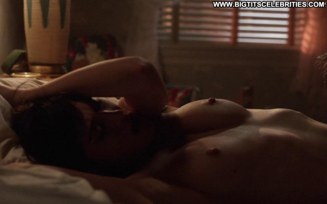 Lizzy Caplan Masters Of Sex Beautiful Posing Hot Bed Celebrity Nude