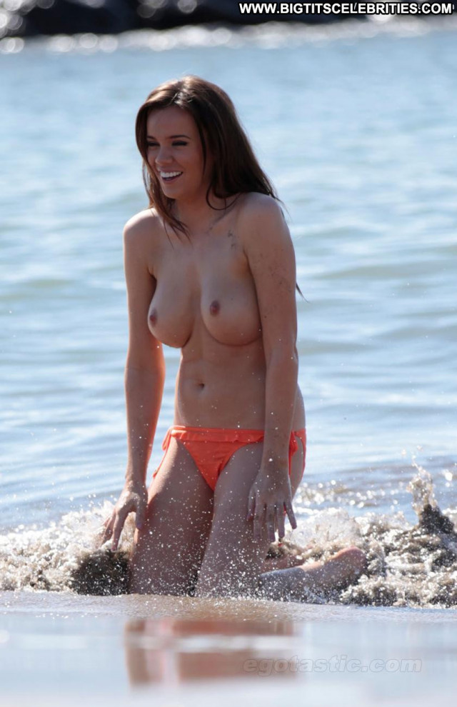 Maria Fowler The Beach Celebrity Breasts Posing Hot Beach Toples