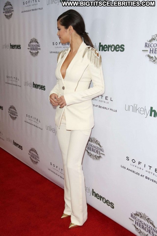 Selena Gomez Los Angeles Posing Hot Beautiful Awards Paparazzi Angel