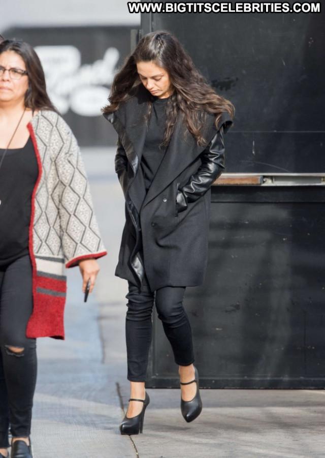 Mila Kunis Jimmy Kimmel Live Celebrity Live Posing Hot Beautiful Babe