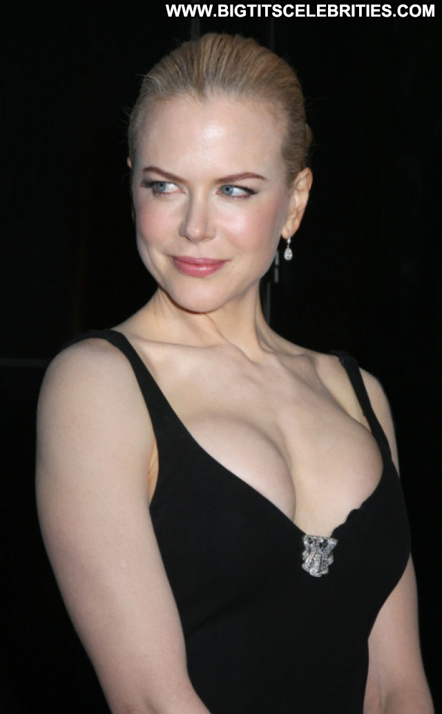 Nicole Kidman Facebook Reality Crazy Hollywood Glamour Live Perfect