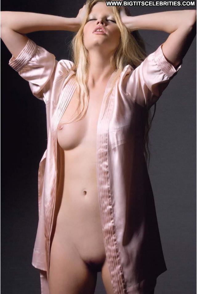 Lara Stone Nun Perfect Male Hollywood Squirt Celebrity Bar Celebrity
