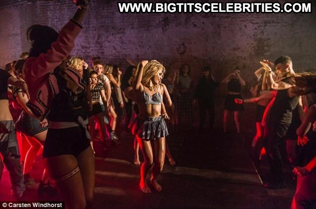 Pixie Lott Paparazzi Beautiful Celebrity Babe Behind The Scenes