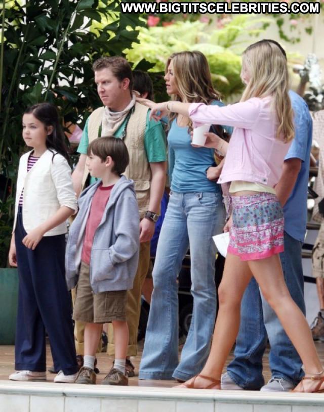 Jennifer Aniston Just Go With It Beautiful Celebrity Posing Hot Babe