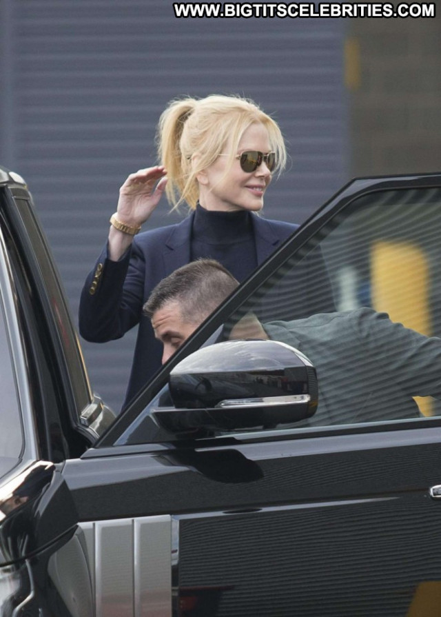 Nicole Kidman Posing Hot Celebrity Babe Beautiful Paparazzi Sexy