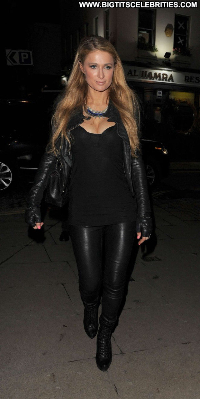 Paris Hilton Babe Celebrity Paparazzi Posing Hot Beautiful London