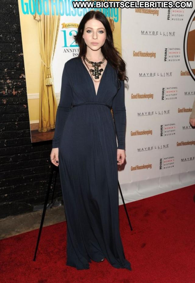 Michelle Trachtenberg Nyc Beautiful Posing Hot Celebrity Paparazzi