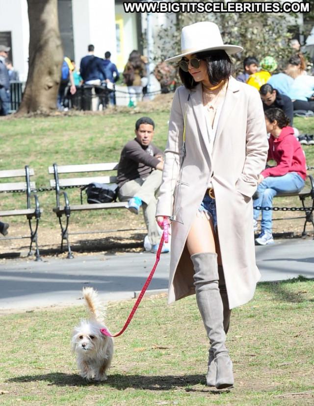 Vanessa Hudgens Nyc Beautiful Babe Park Posing Hot Celebrity