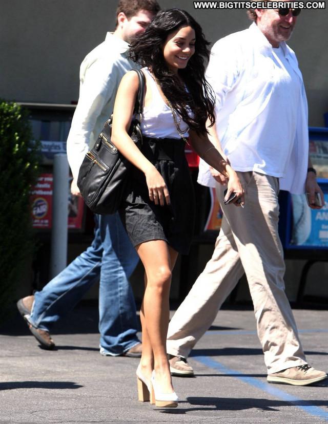Vanessa Hudgens Celebrity Posing Hot Paparazzi Restaurant Hollywood
