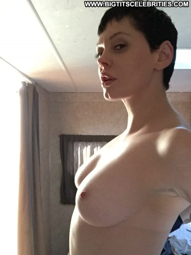 Rose Mcgowan No Source Famous Posing Hot Nasty Babe Hot Celebrity