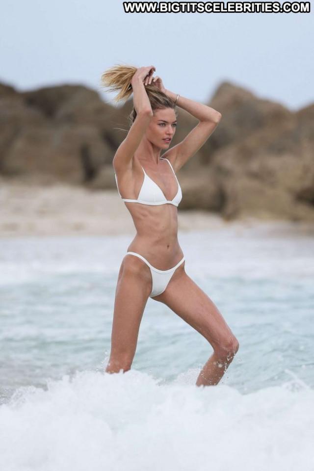 Martha Hunt Miami Beach Babe Beautiful Paparazzi Beach Posing Hot