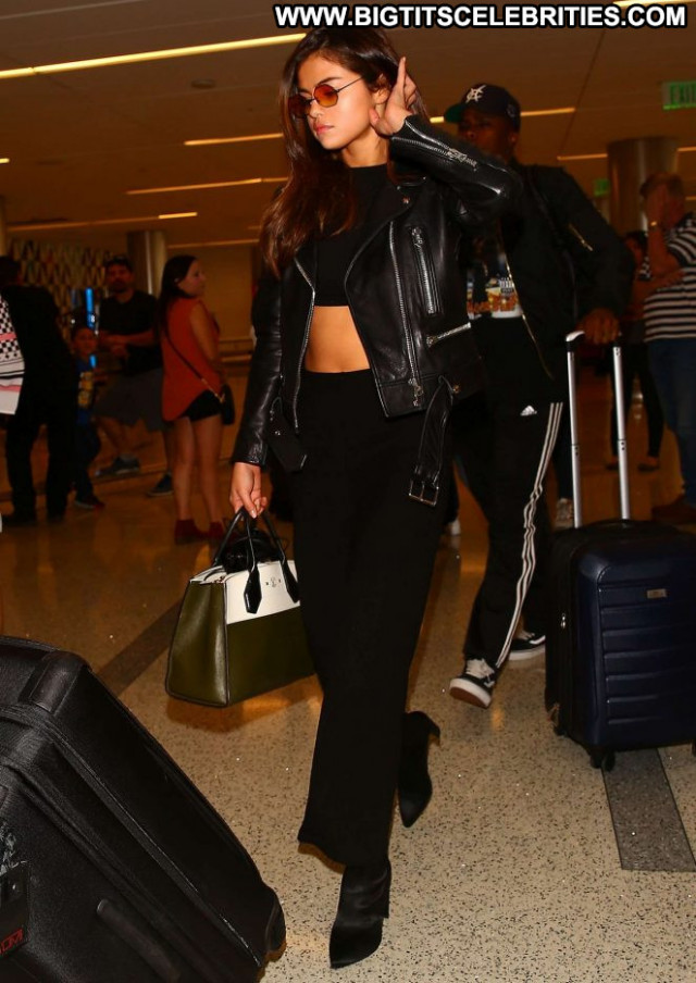 Selena Gomez Lax Airport  Babe Lax Airport Celebrity Paparazzi