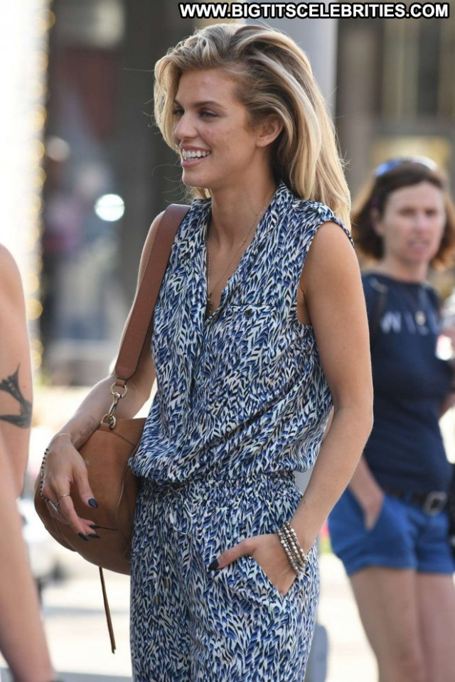 Annalynne Mccord Drive In Beautiful Celebrity Paparazzi Shopping
