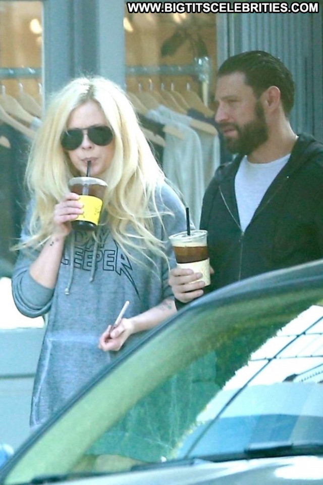 Avril Lavigne West Hollywood Posing Hot Boyfriend Beautiful Hollywood