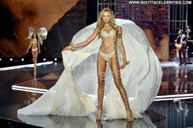Gigi Hadid Mercedes Benz Fashion Week Lingerie Posing Hot Topless