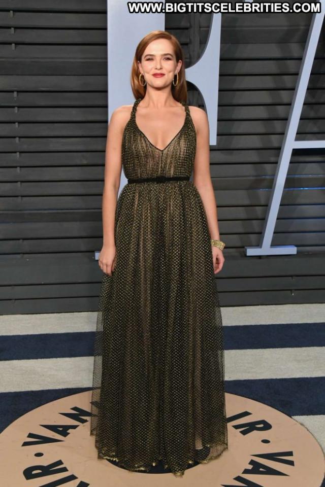 Zoey Deutch Vanity Fair Beautiful Hollywood Paparazzi Posing Hot